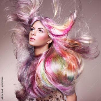 Piękno Mody Modela Dziewczyna Z Kolorowym Barwionym Włosy