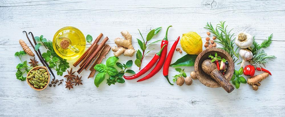 Świeże aromatyczne zioła i przyprawy